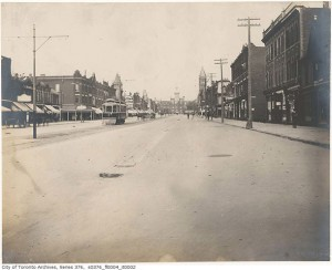 2012425-spadina-north-to-college-1890s-s0376_fl0004_it0002